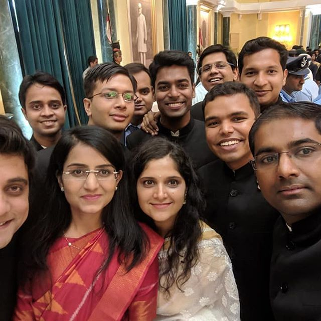 anu kumari with other ias officers- crackupsc.in